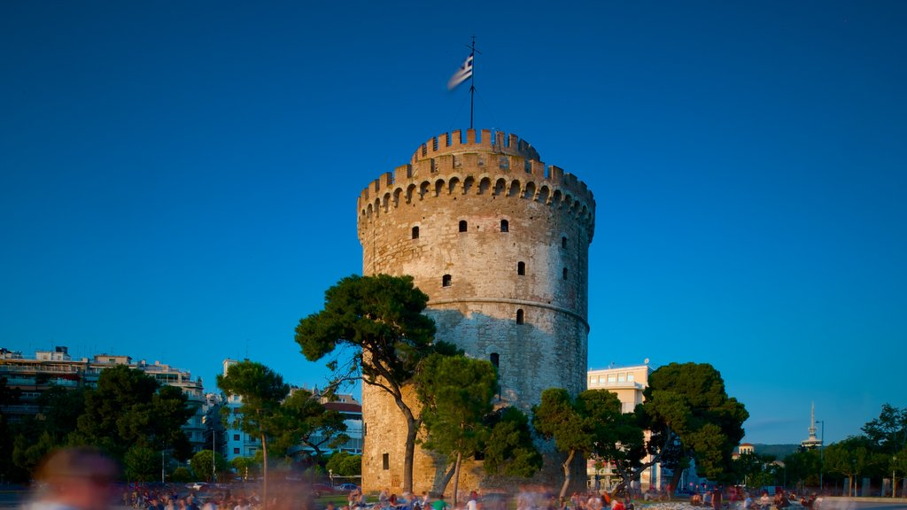 White Tower of Thessaloniki featuring heritage architecture