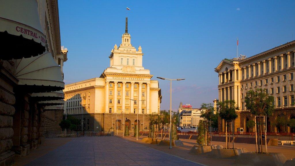 Sofia showing street scenes
