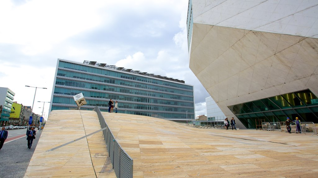Casa da Musica showing modern architecture and street scenes