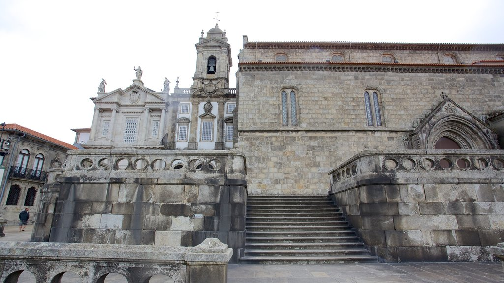 Church of Sao Francisco showing religious aspects, heritage architecture and a church or cathedral
