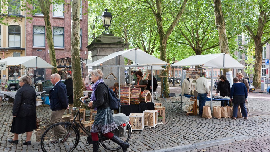 Utrecht showing markets, street scenes and cycling