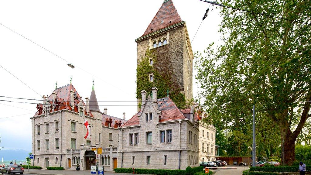 Lausanne showing street scenes