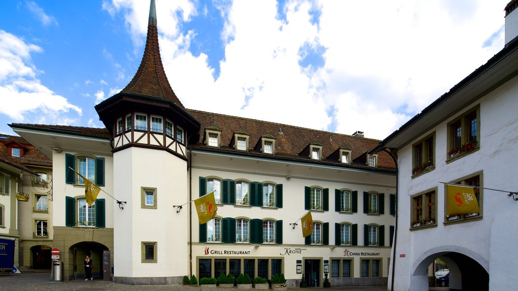 Thun showing street scenes and heritage architecture