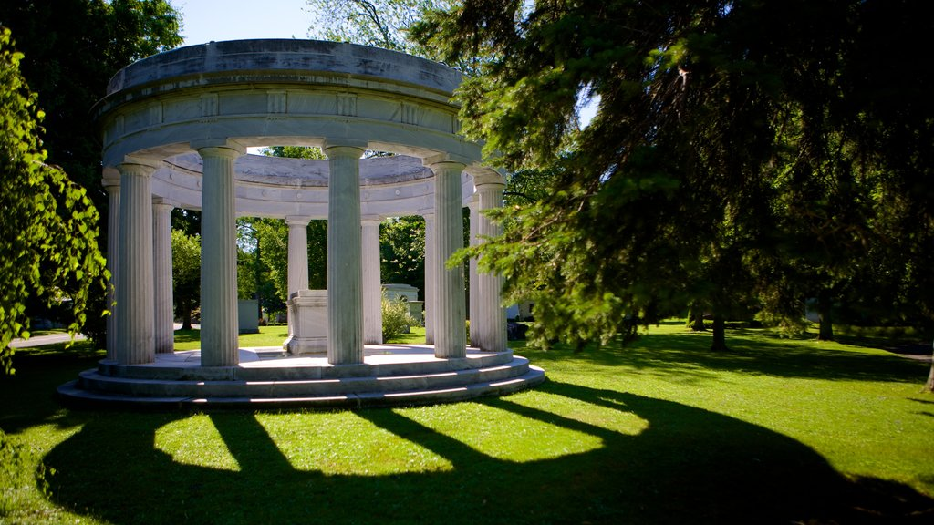 Forest Lawn Cemetery showing a cemetery and heritage elements