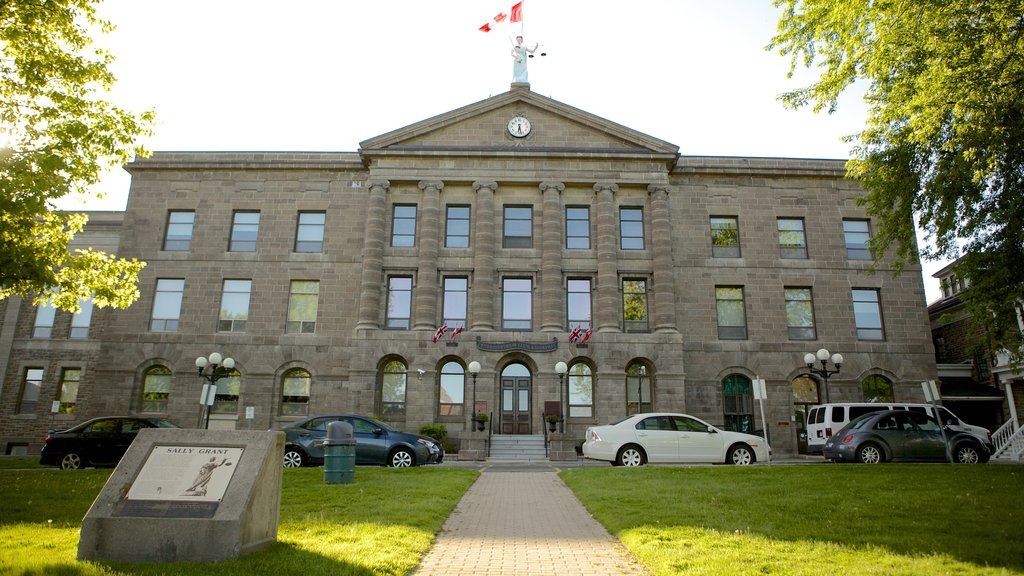 Brockville showing heritage architecture