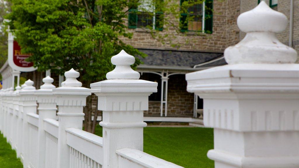 Merrickville featuring heritage architecture