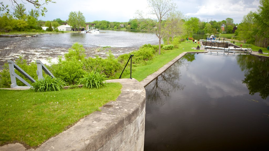 Merrickville showing a river or creek