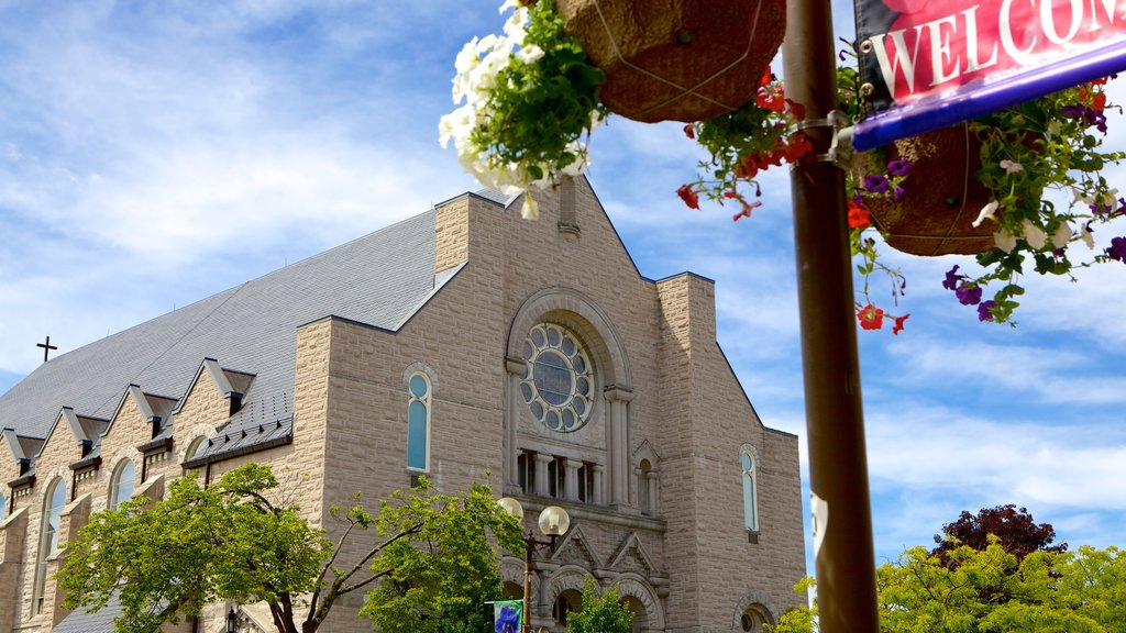 St. Thomas featuring heritage architecture, religious elements and a church or cathedral
