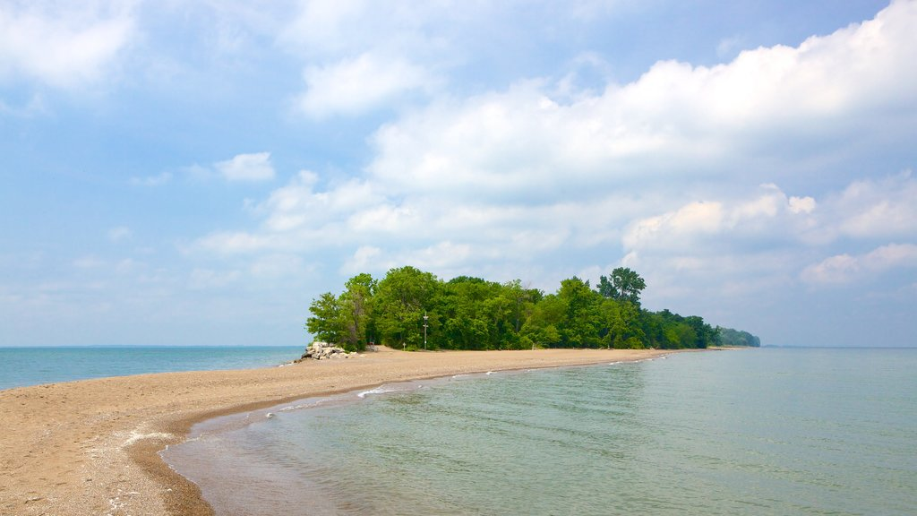 Point Pelee National Park featuring a pebble beach
