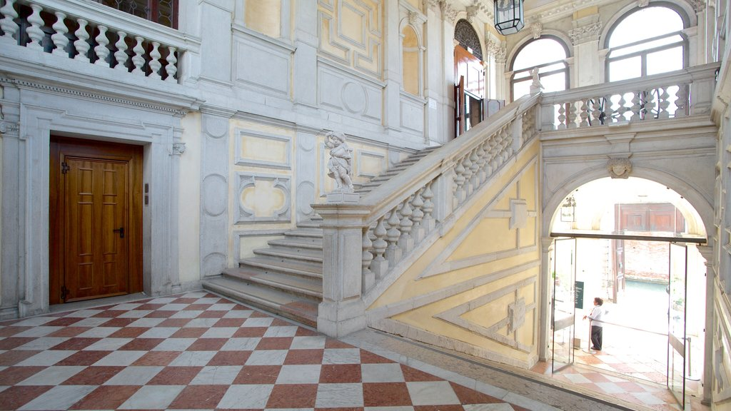Ca\' Rezzonico showing chateau or palace, interior views and heritage architecture