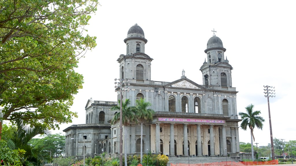 Managua Cathedral which includes religious elements, heritage architecture and a church or cathedral