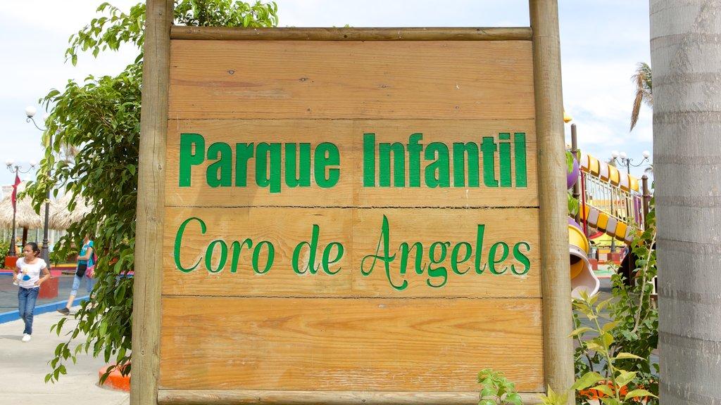 Managua featuring signage