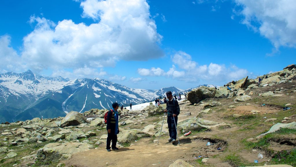 Gulmarg showing mountains and hiking or walking