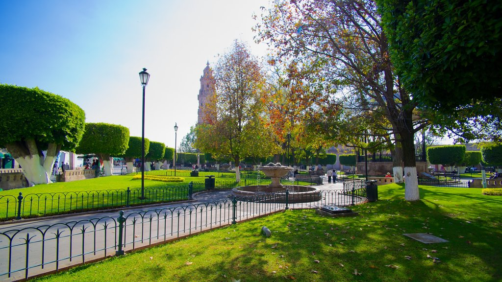 Plaza de Armas which includes a park