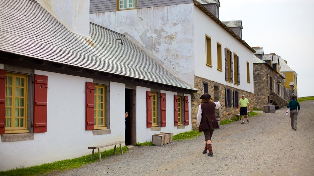 Fortress Louisbourg National Historic Site showing street scenes, a small town or village and heritage architecture