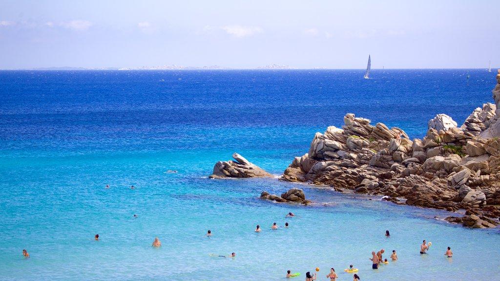 Santa Teresa di Gallura which includes rocky coastline