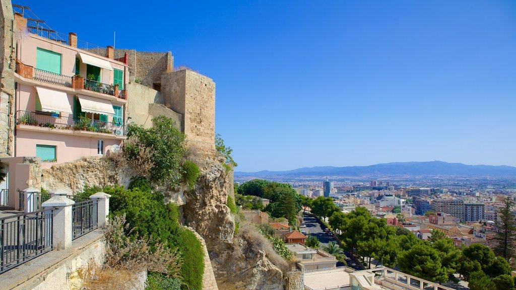 Cagliari showing a city
