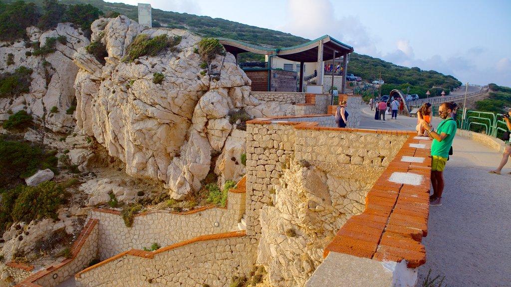 Capo Caccia showing views