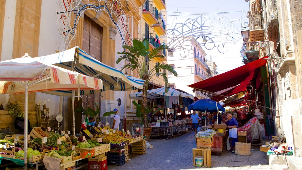 Il Capo Market featuring street scenes and markets