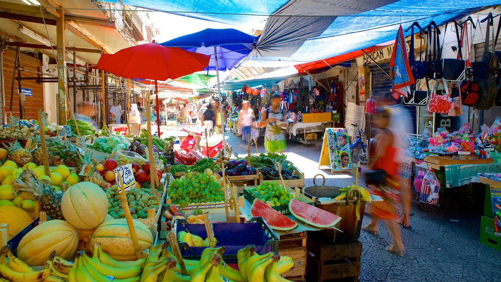 Ballaro Market showing food, street scenes and markets