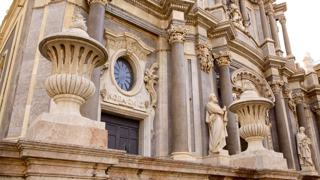 Catania Cathedral which includes a church or cathedral, religious aspects and heritage architecture