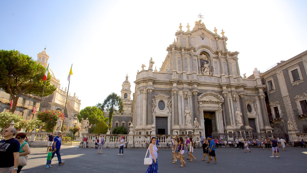 Catania Cathedral showing a church or cathedral, religious elements and a square or plaza