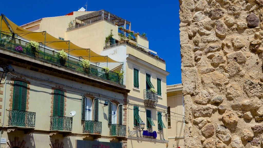 Alghero showing heritage architecture and a house