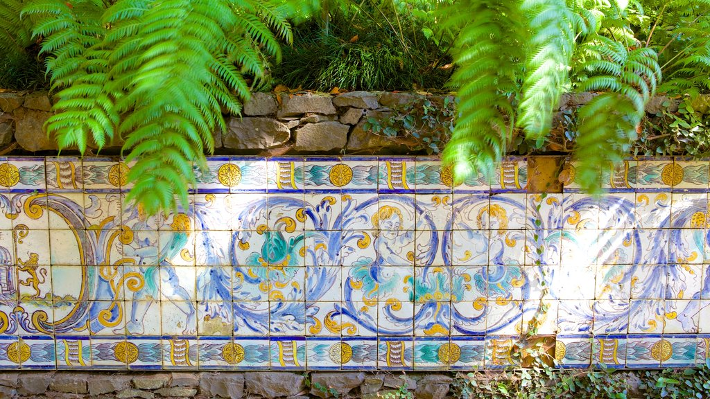 Monte Palace Gardens showing outdoor art
