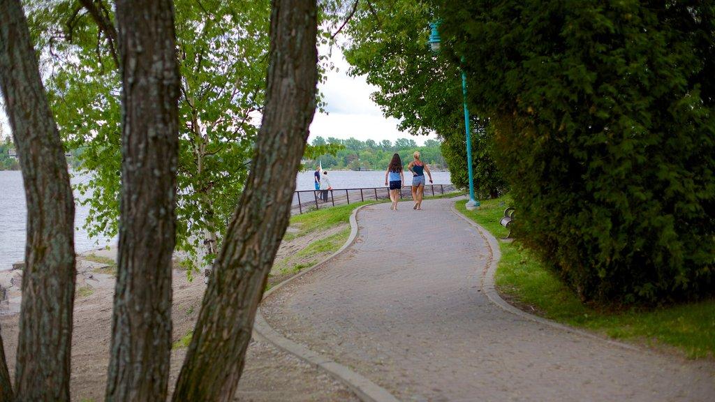 Sudbury which includes a park