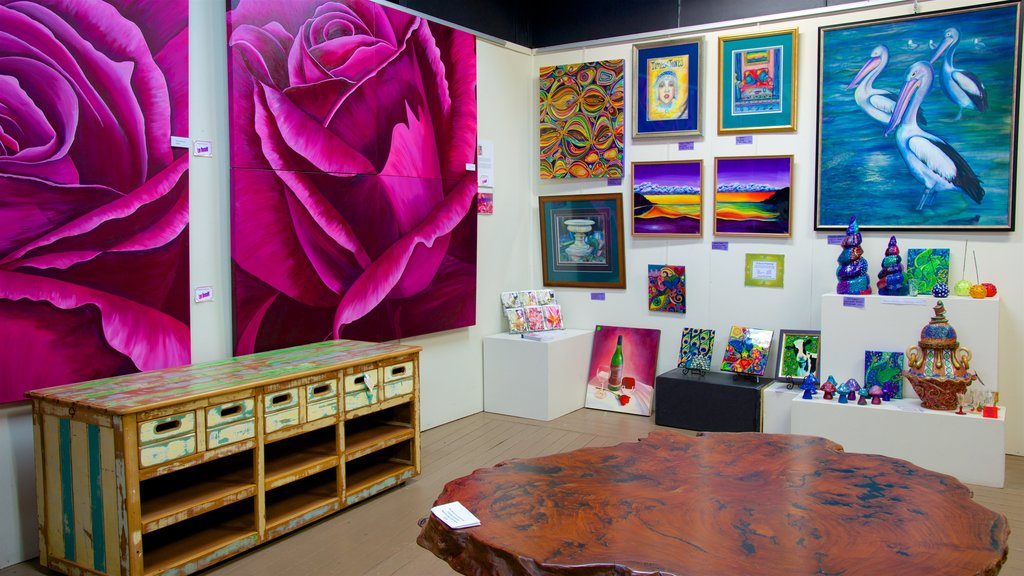 Maleny which includes interior views and art