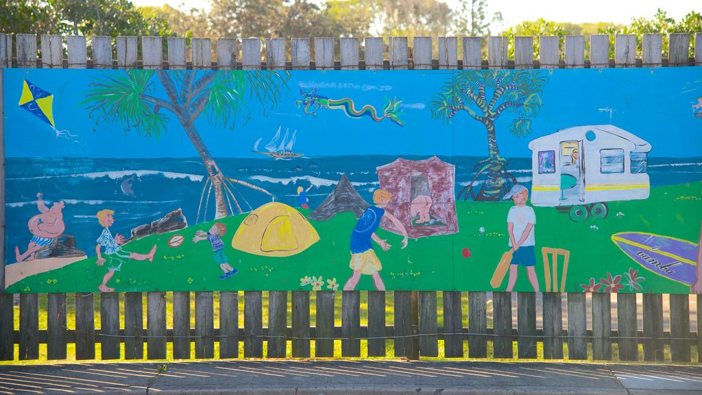 Coolum Beach which includes outdoor art
