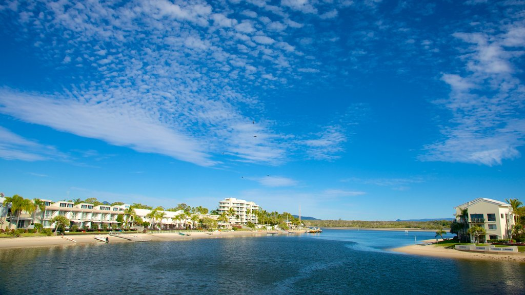 Noosa which includes general coastal views and a coastal town