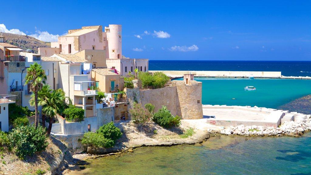 Castellammare del Golfo featuring a coastal town and general coastal views