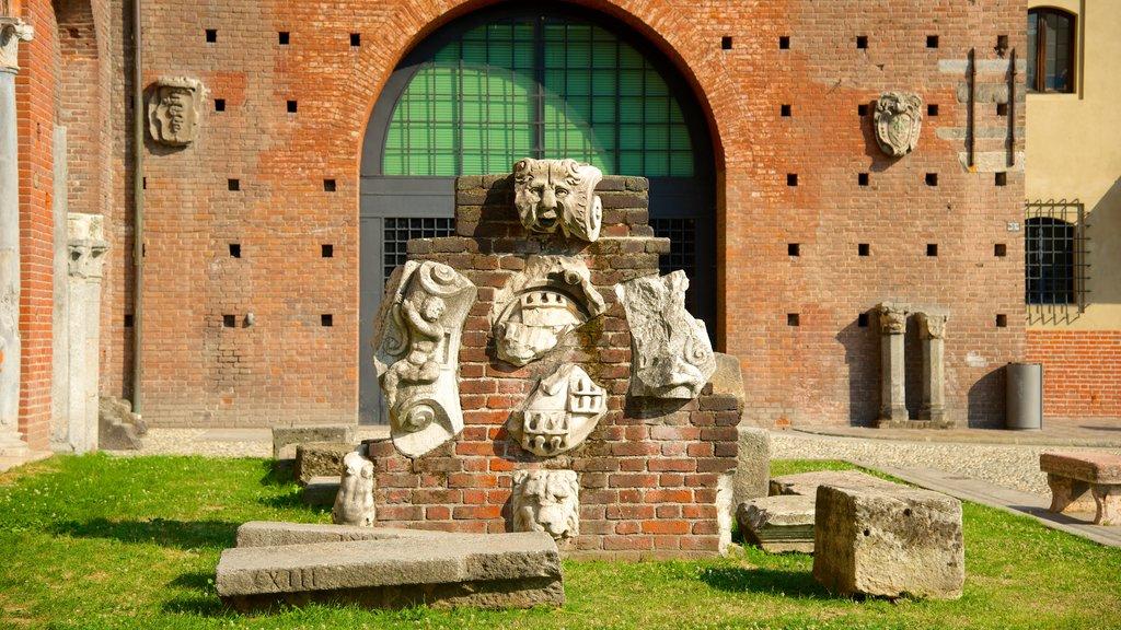 Castello Sforzesco showing a ruin and heritage elements