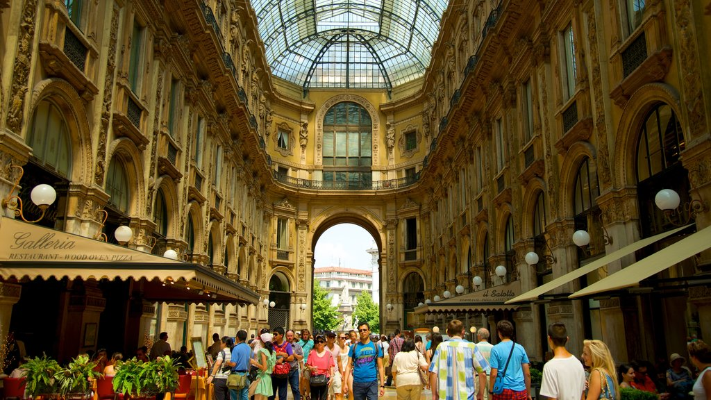 Galleria Vittorio Emanuele II showing interior views, shopping and heritage architecture