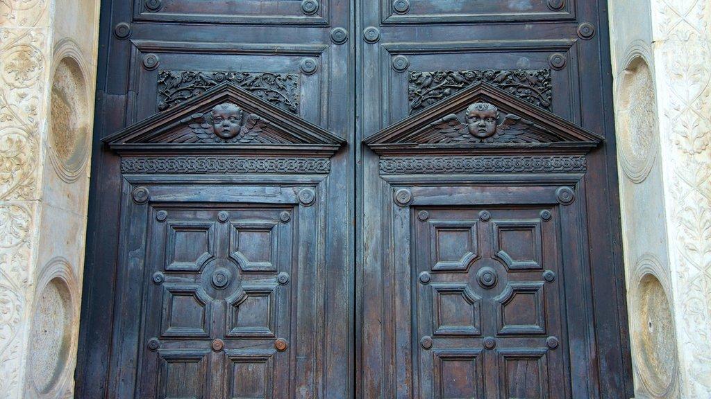 Santa Maria Delle Grazie showing heritage architecture