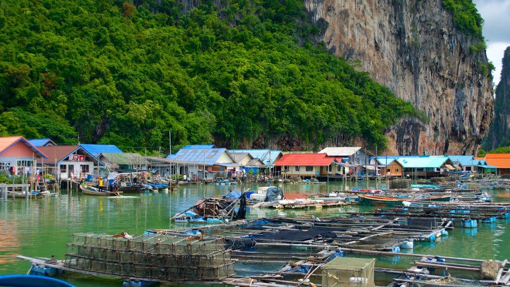 Phang Nga que incluye una bahía o puerto, vistas generales de la costa y una ciudad costera