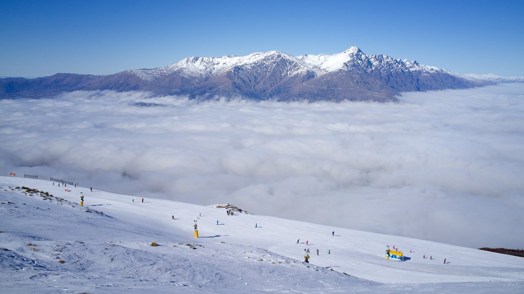 Coronet Peak Ski Area which includes snow and mountains