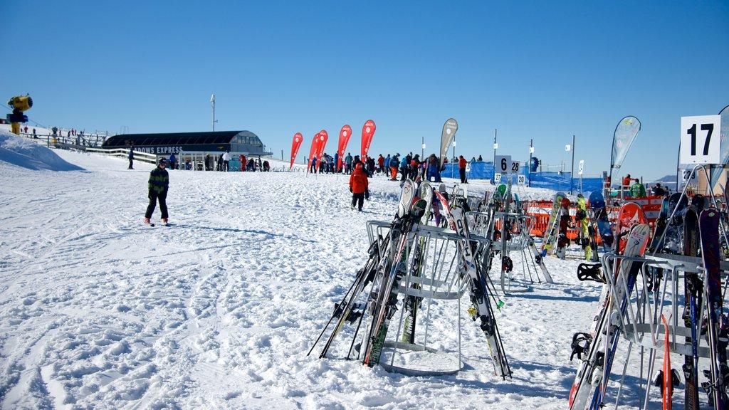 Coronet Peak Ski Area which includes snow