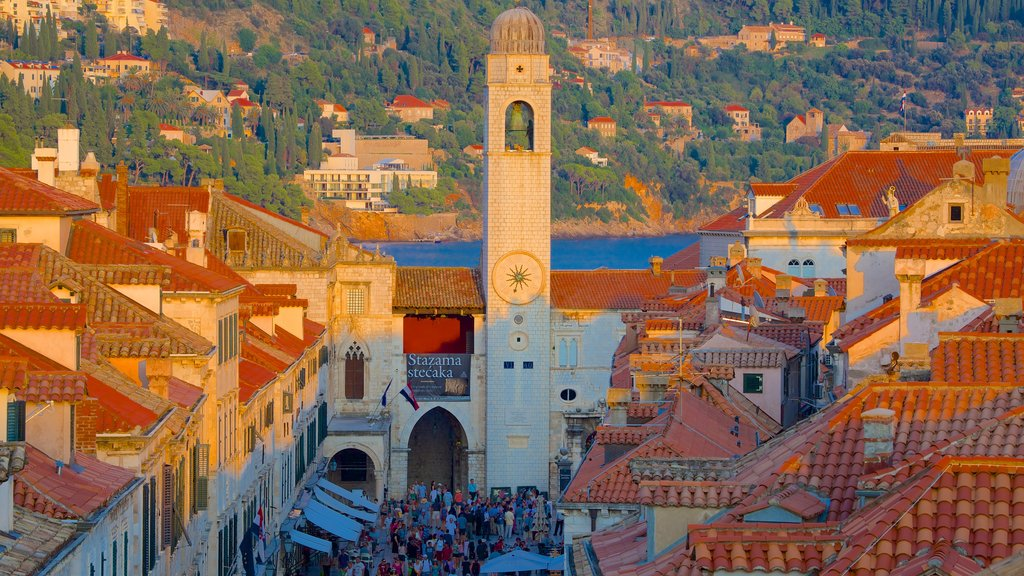 Stradun showing a city, heritage architecture and a church or cathedral