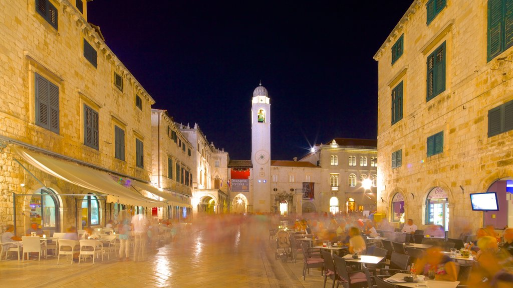 Stradun showing heritage architecture, dining out and outdoor eating