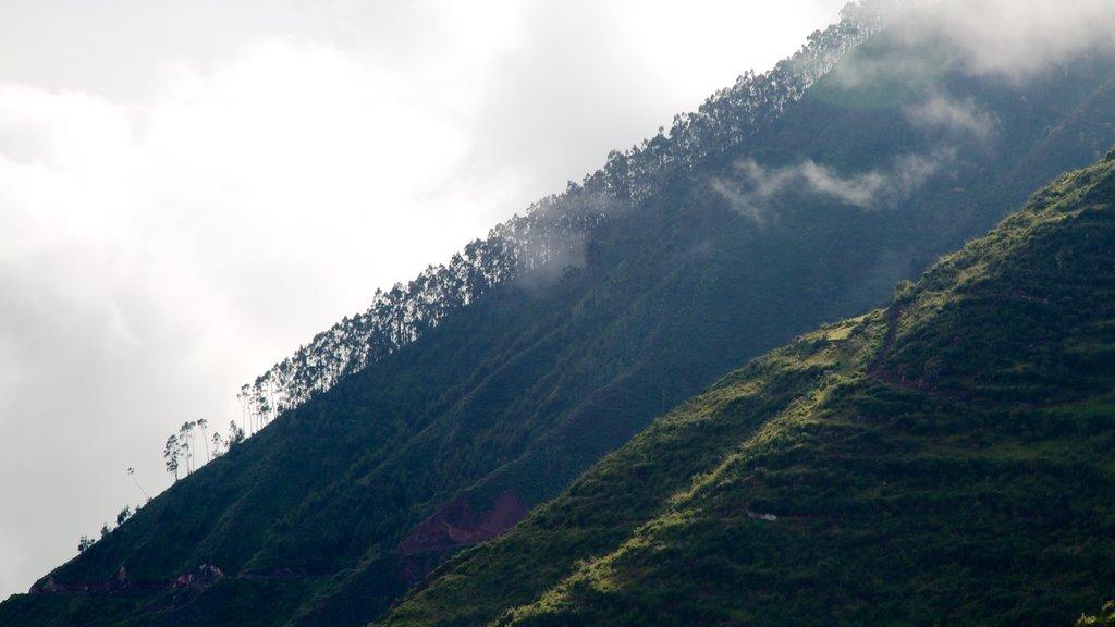 Urubamba which includes mountains