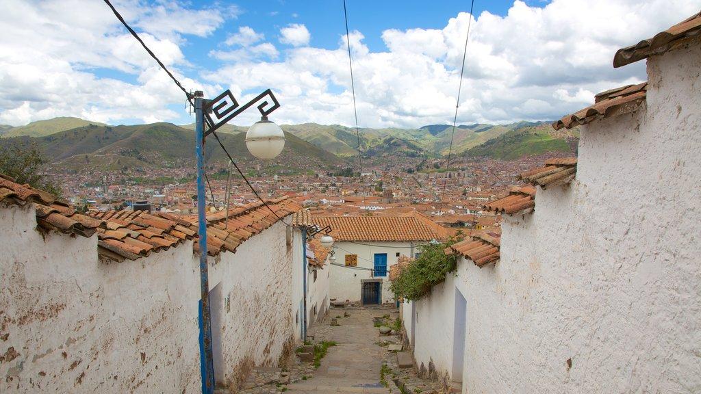 San Blas ofreciendo vistas de paisajes y una ciudad