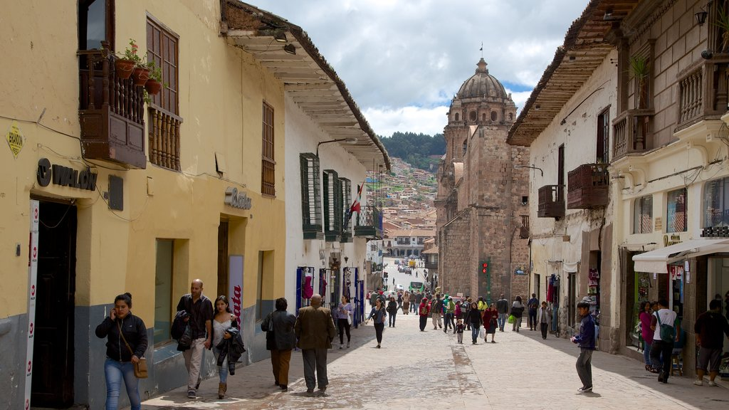 Cusco caracterizando cenas de rua