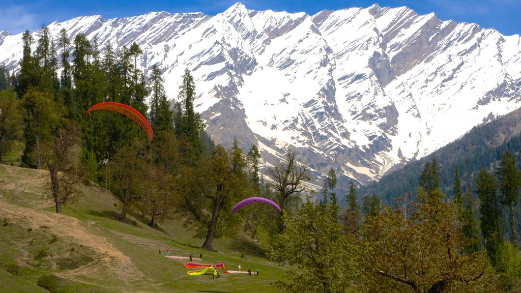 Manali featuring mountains, snow and tranquil scenes