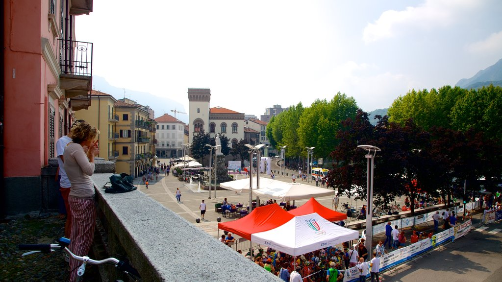 Lecco which includes markets and a square or plaza