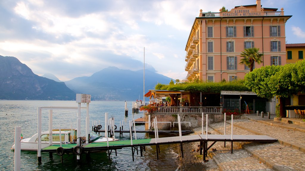 Bellagio showing heritage architecture, a coastal town and boating