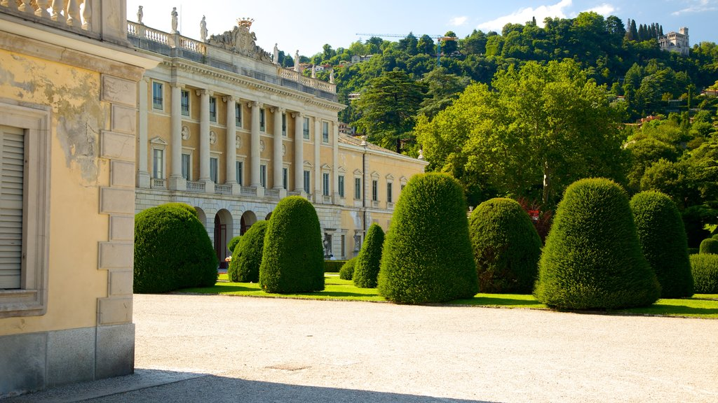 Villa Olmo showing a castle, heritage elements and heritage architecture