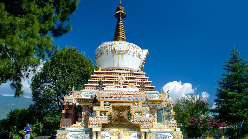 Kopan Monastery which includes a statue or sculpture, heritage elements and religious elements