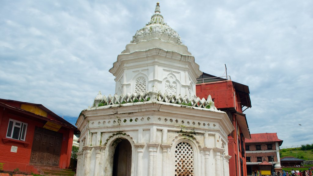Pashupatinath Temple which includes a temple or place of worship and heritage elements